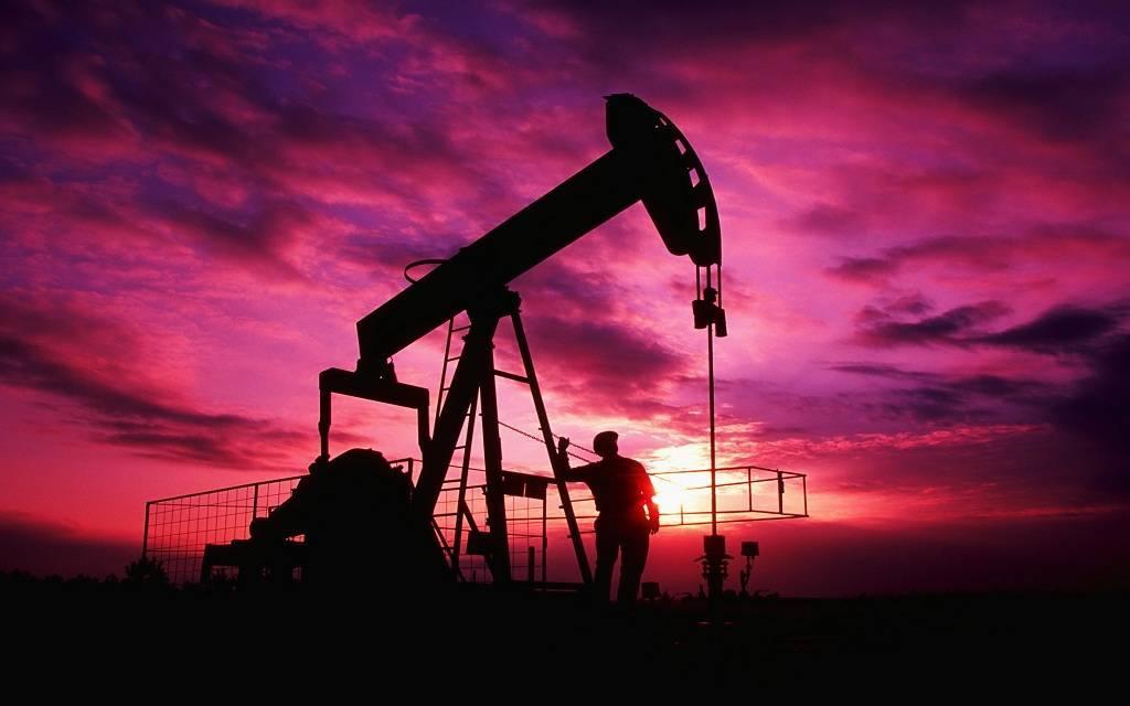 استقرار أسعار النفط وسط مخاوف تراجع الطلب