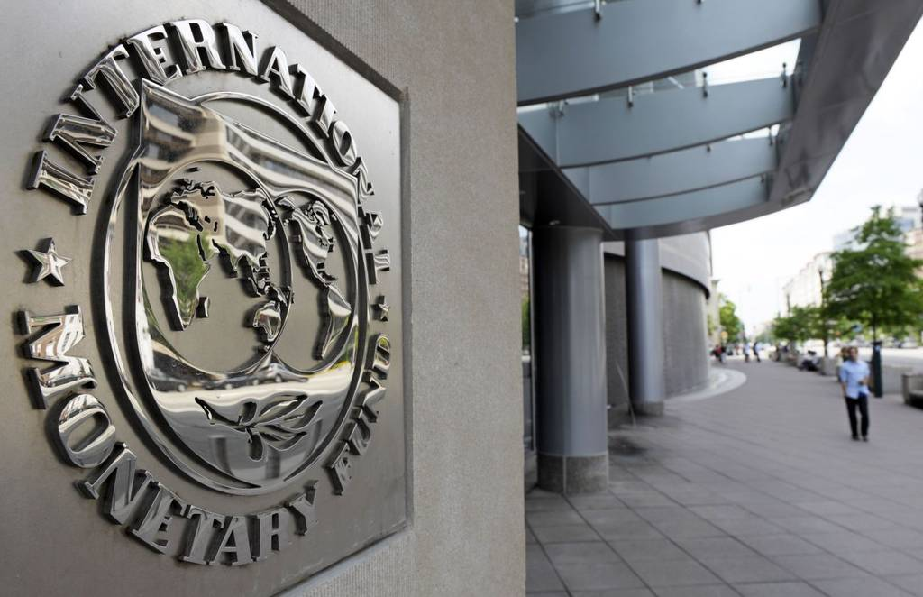 The IMF agrees to grant Greece a loan of 1.8 billion dollars