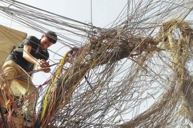الكهرباء تتعهد بتحسين تزويدها محافظة جنوبية بنسبة 15% عن الصيف الماضي