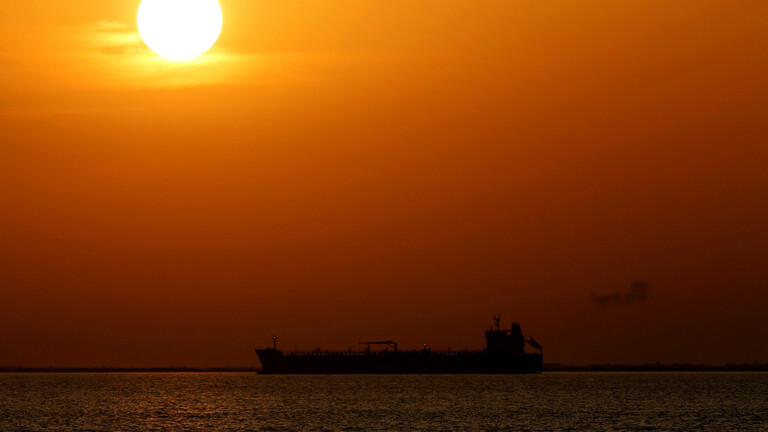 A huge fleet of cheap oil tankers is heading towards China