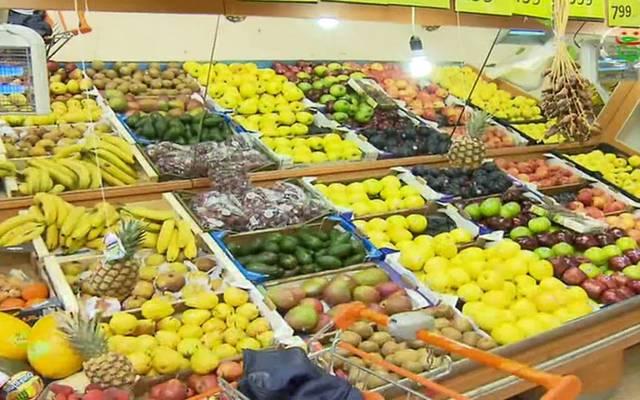 الكويت: نقص الأيدي العاملة بالقطاع الغذائي قفز بالأجور وزاد التكلفة على المواطن