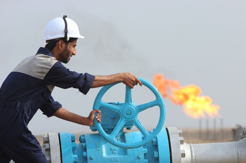 سلطنة عمان توقع اتفاقا مع مزون بتروجاز لإنتاج النفط من وادي أسود