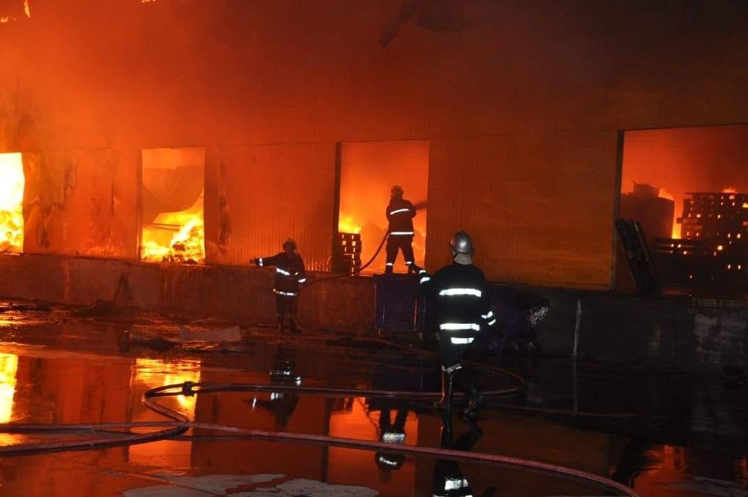 طهران: خسائر تقدر بـ 100 مليون دولار جراء احتراق مصنع الألبان الايراني بالعراق