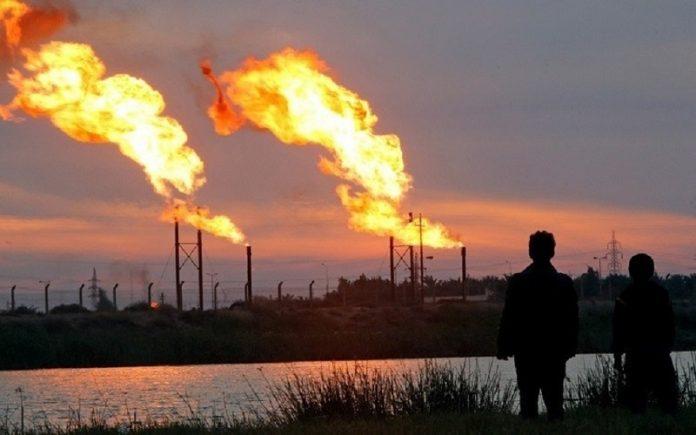أسعار النفط تتراجع بسبب ارتفاع إصابات كورونا في الهند