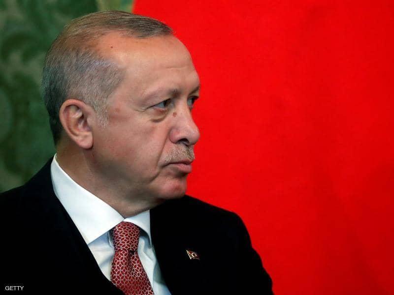 أردوغان يطيح محافظ البنك المركزي