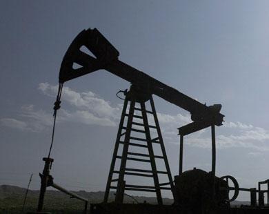 تحذيرات لدول الخليج من تأثير انخفاض النفط على نواتجها المحلية
