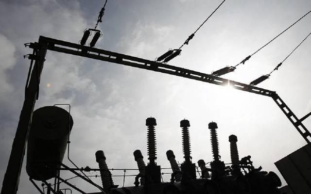 وزير: الكهرباء المنتجة في العراق تكفي 20 ساعة تشغيل يومياً