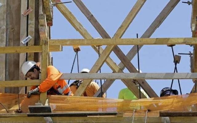 نشاط البناء في بريطانيا يتعافى من مستوى قياسي متدن