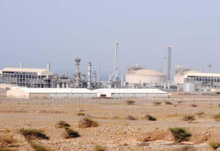 خبراء ومحللون لـعمان : التنويع الاقتصادي قادر على مواجهة تبعات تراجع النفط