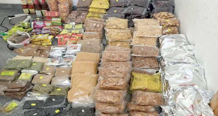 ضبط بائع يزوّر تواريخ مواد غذائية منتهية الصلاحية