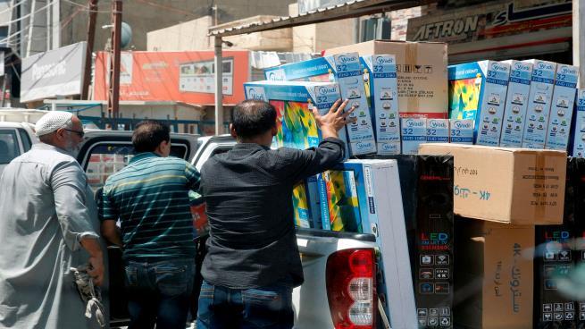 العراق: إقبال على شراء الدولار خوفا من انهيار الدينار