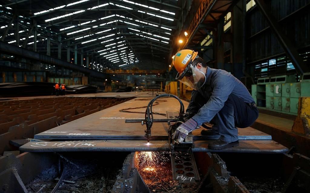 الإنتاج الصناعي بقطر يتراجع 3.8% خلال نوفمبر