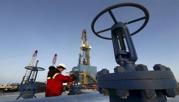 إنتاج النفط الروسي يرتفع إلى 11.244 مليون برميل يوميا