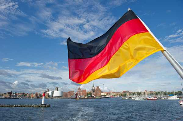 German trade balance rises higher than expected in July