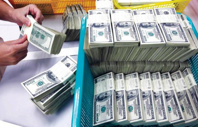 الكويت تُرسي عقوداً بـ 720 مليون دولار في أبريل