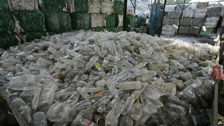 الصين تتحرك ضد استيراد النفايات الأجنبية