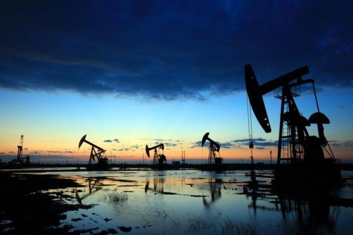 خبير اقتصادي: اسعار النفط قد تتجاوز الـ 100 دولار للبرميل