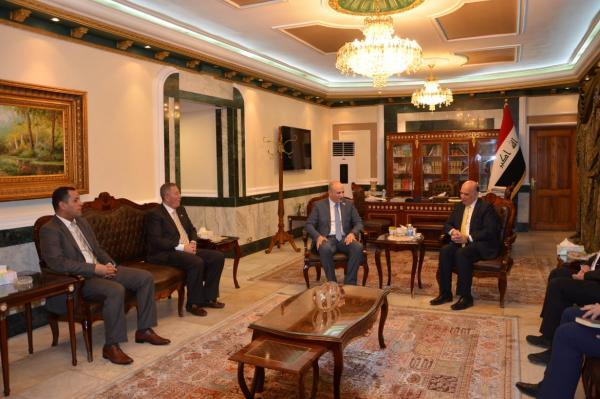وزير أردني: الملك وجه بوضع خبرات وإمكانات الأردن بين أيدي العراق