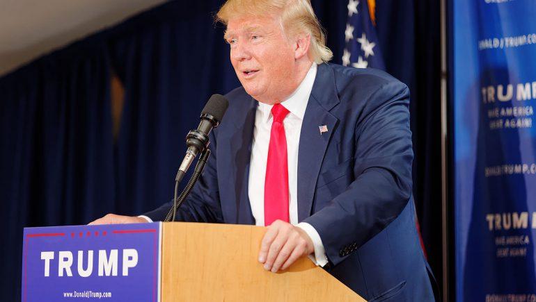 """""""ترامب"""" يعيد شركات السيارات إلى الولايات المتحدة"""